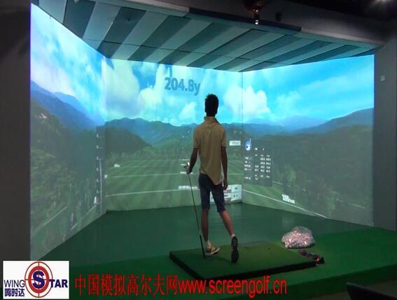 三屏模拟高尔夫试球视频
